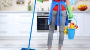 Отложите уборку туалета или тщательную очистку душевой кабины до лучших времен и сосредоточьтесь на самом необходимом для жизни: пище, одежде, здоровье и безопасности в вашем доме