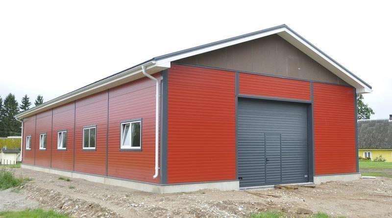 Быстровозводимые ангары могут служить хозяйственными постройками, например, на даче. Или использоваться в малом бизнесе.