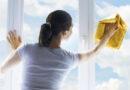 Эта статья о том, как мыть окна, то есть само стекло. Однако, если, например, в рамках генеральной уборки вы решили одновременно вымыть и другие части окон, такие как подоконники, оконные рамы или оконные сетки, то нужно в первую очередь помыть их